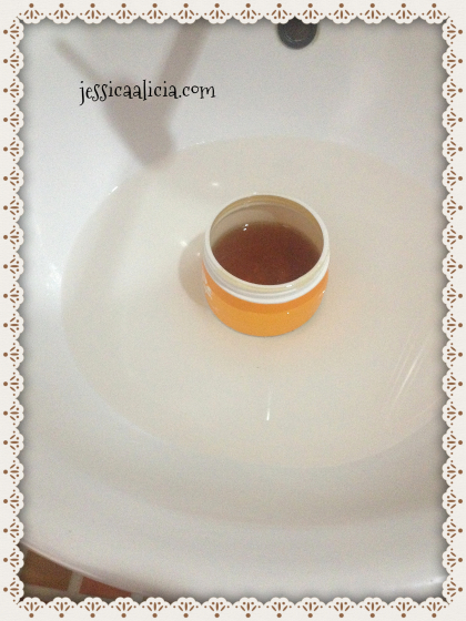 Review : Sugarpot Wax Pure Honey & Milky Strawberry by Jessica Alicia