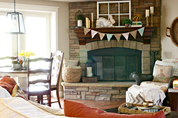 Spring mantel decor ideas - www.goldenboysandme.com