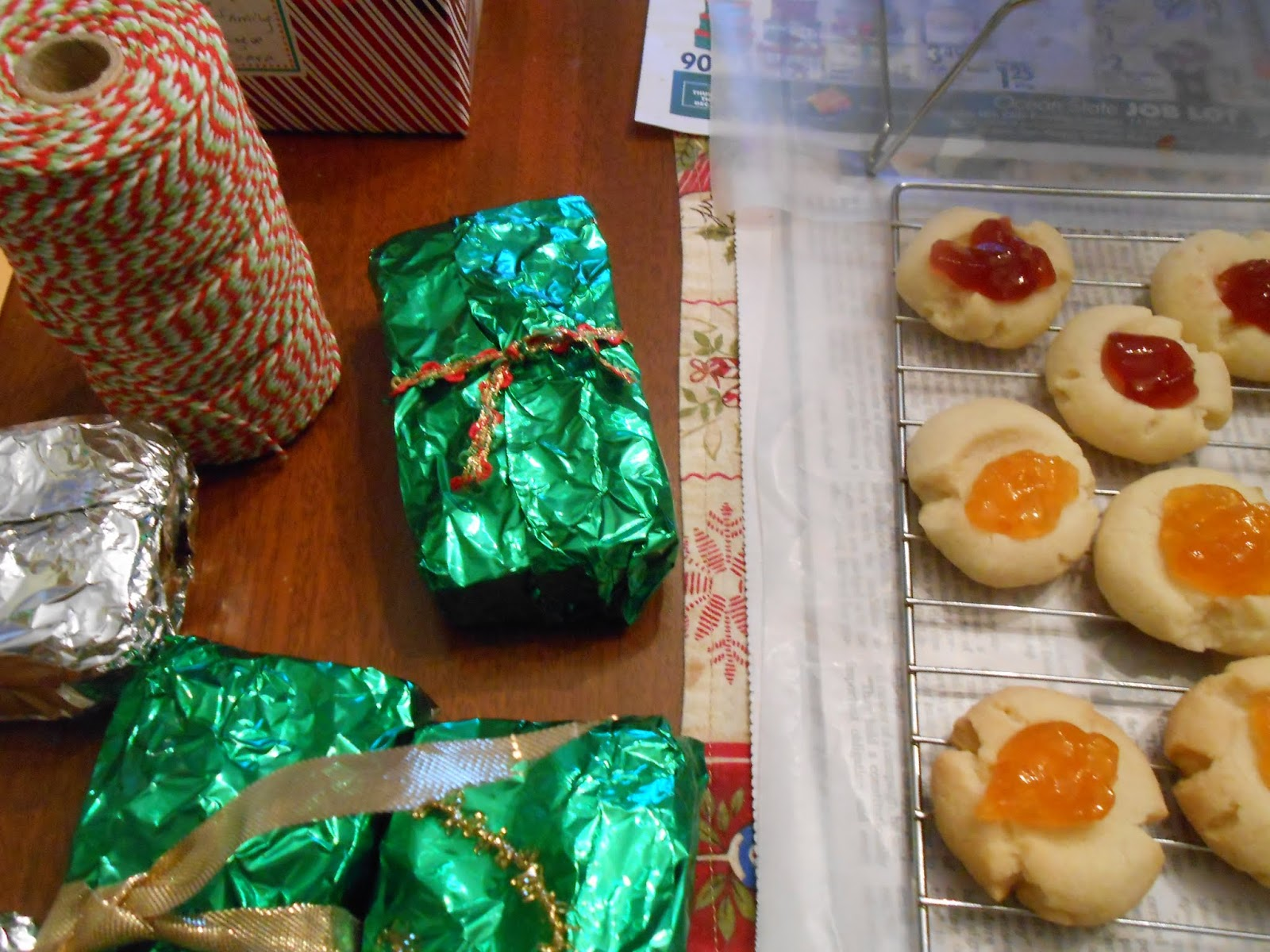 Mrs.T\'s Christmas Kitchen: Some fun new ideas for kitchen gifts