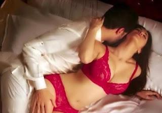 Bed scene of Sunny Leone in 'Beiimaan Love'