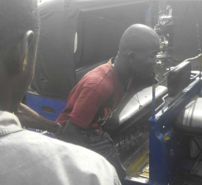 Disturbing video: Mechanics manhandle pickpockets at Idemili, Anambra