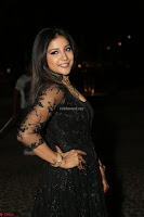 Sakshi Agarwal looks stunning in all black gown at 64th Jio Filmfare Awards South ~  Exclusive 147.JPG