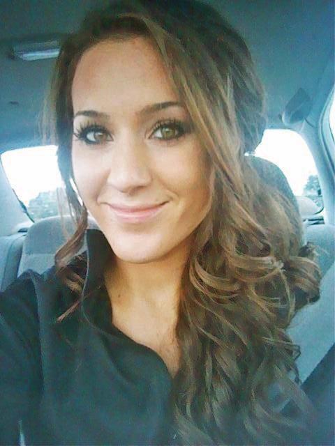 CECILE: Selfie Wife