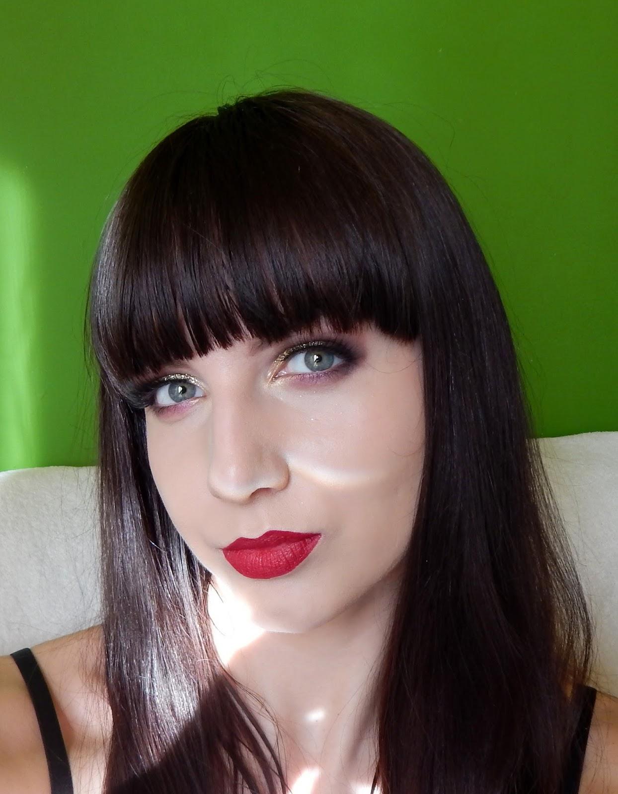 revers kosmetyki do makijazu