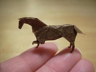 Origami miniatura caballo