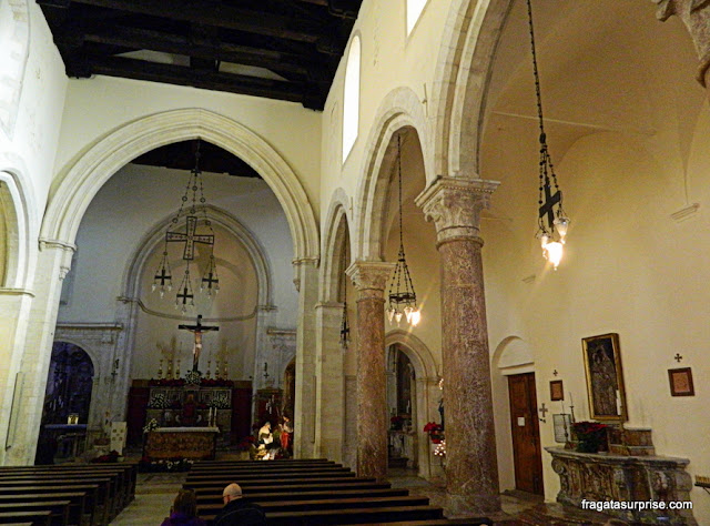 o interior da catedral