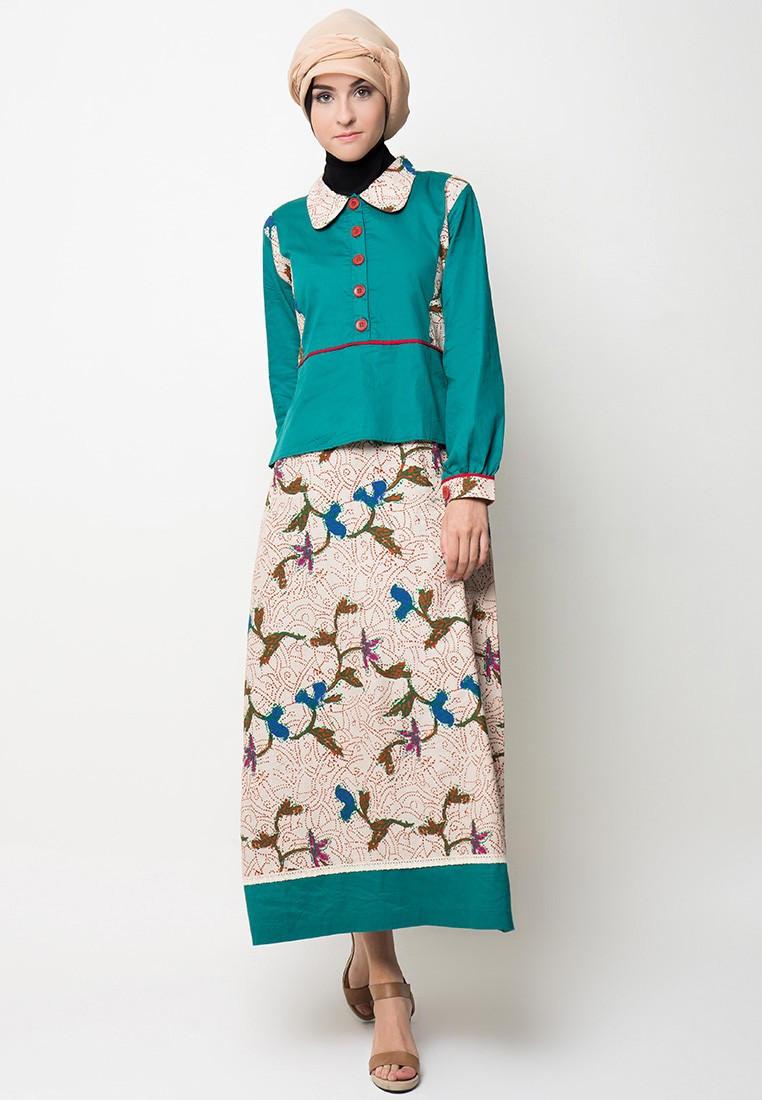Kumpulan Model Gamis Batik Kombinasi Modern Simple Elegan Dan