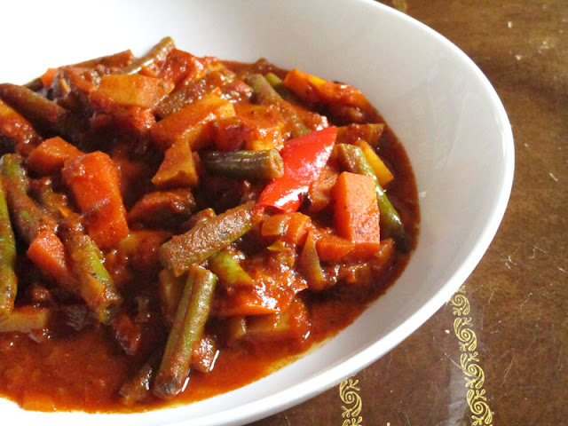 Mixed Vegetables in a Spicy Tomato Ethiopian Kulet Sauce