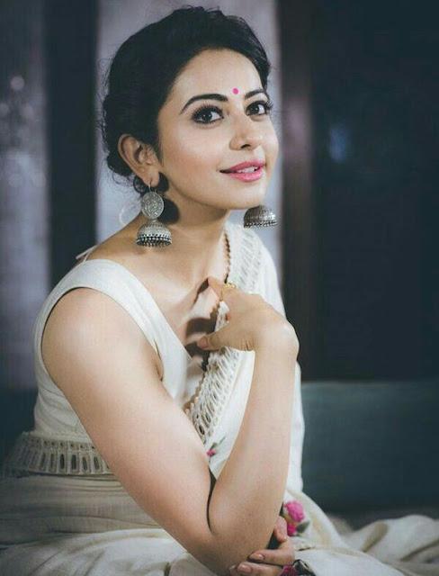 classic saree style