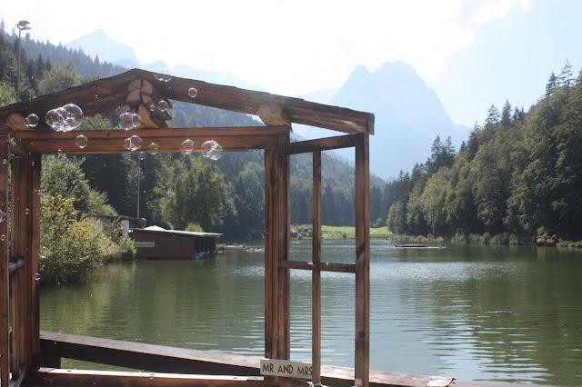 Foto-Fenster - Wasserfarben-Hochzeit am See, Graugrün, Mint, Aqua, Blau, Grün, Riessersee Hotel Garmisch-Partenkirchen, Bayern, Lake side summer wedding Aqua, Green, Blue, grey colour scheme