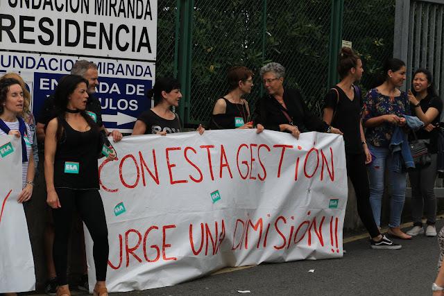 Protesta ante la residencia de la Fundación Miranda