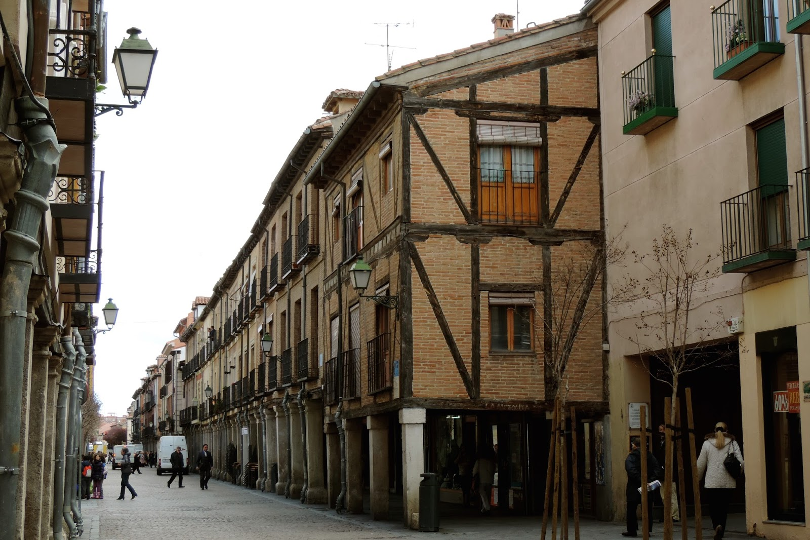 Inside out by cinding trip to alcala de henares madrid - Pintores alcala de henares ...