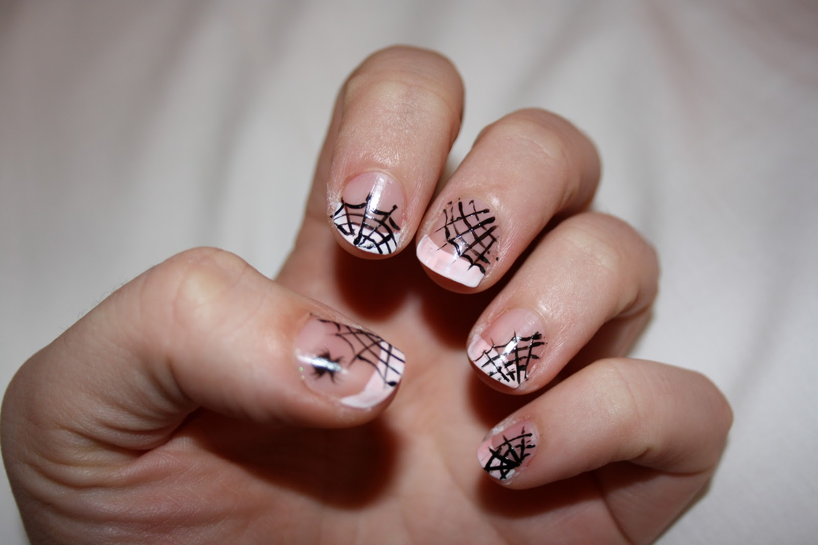 Oooooh Pretty: Halloween Nail Series - Cobweb nails
