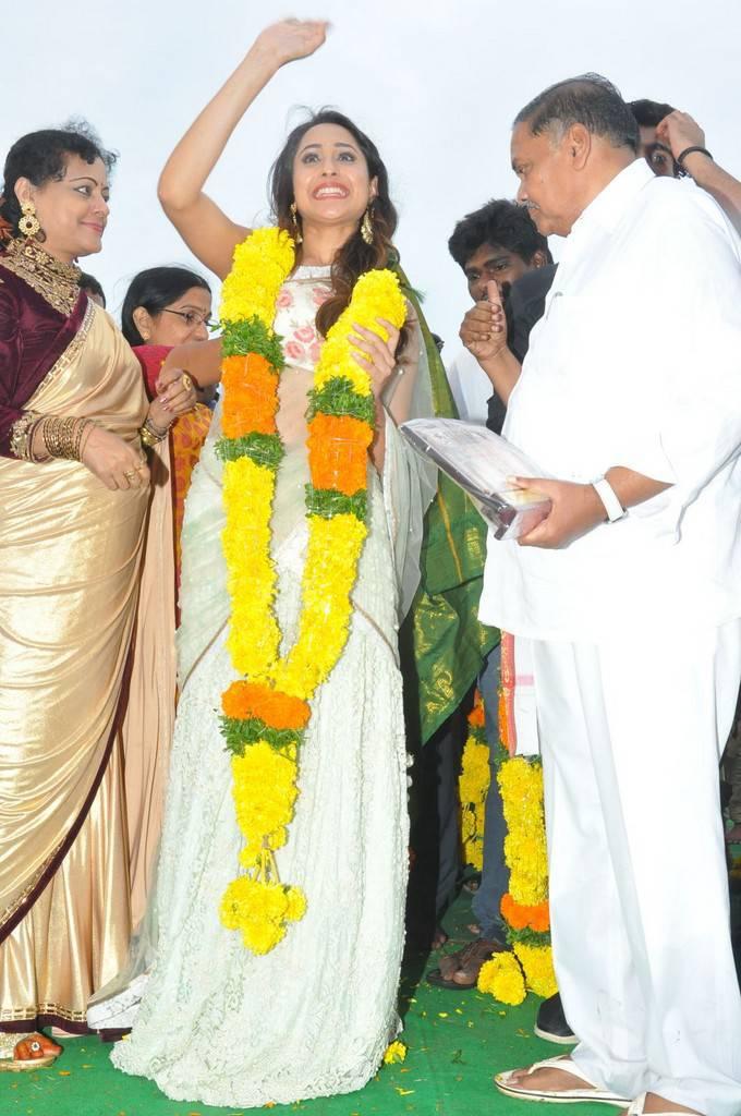 Pragya Jaiswal At Jaya Janaki Nayaka Vijayotsava Veduka Stills