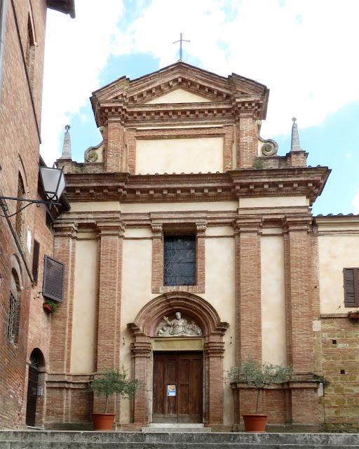 San Pietro alle Scale, Via San Pietro, Siena