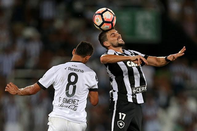 Rodrigo Pimpão foi o nome d a partida contra o Olimpia (Foto: Vítor Silva/SSPress)