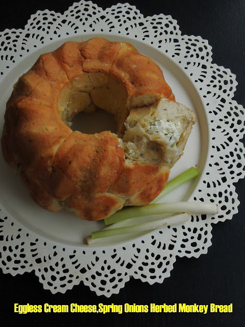 Eggless Cream Cheese,Spring Onions Herbed Monkey Bread.