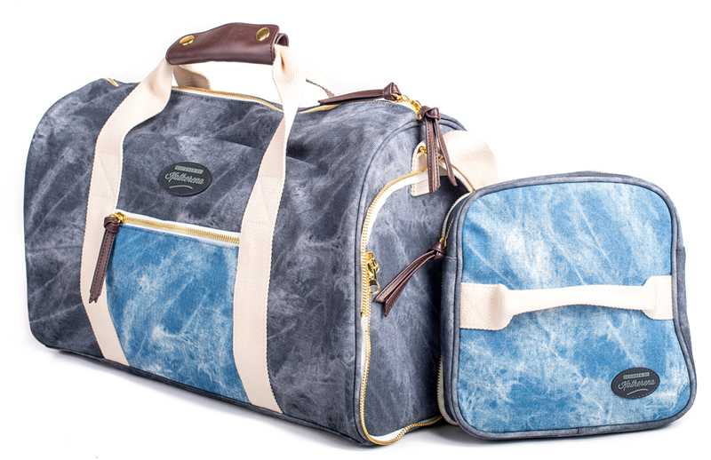 Gift Ideas For The Travel Loving Mom - Weekender Bag