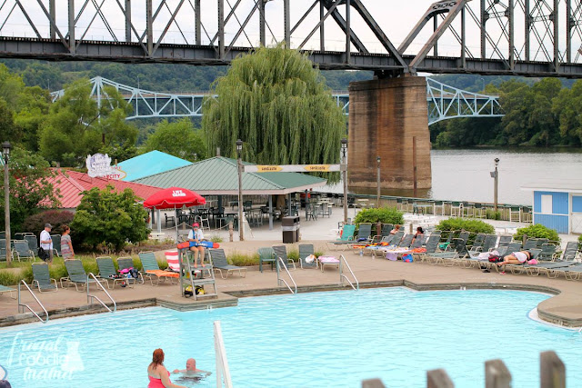 Inspired by a beach boardwalk, Sandcastle Waterpark in Pittsburgh offers tons of fun in the water for the entire family. #kidsburgh #lovepgh