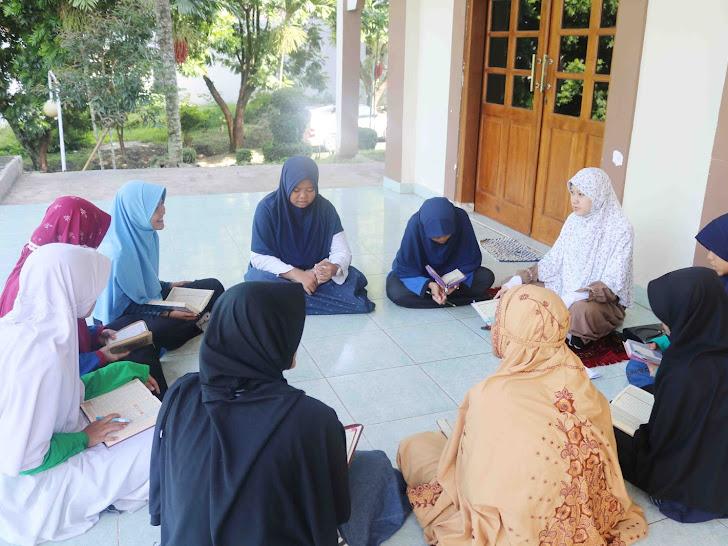 Persiapan Setoran Hafalan santri Pondok tahfizh generasi rabbani qurani
