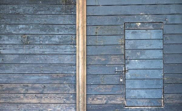dinding kayu rusak perlu dicat