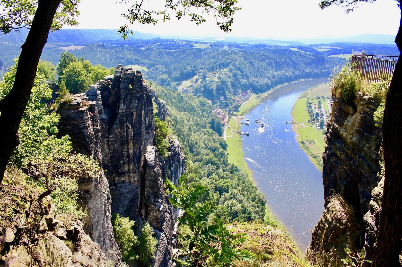 Elbsandsteingebirge Elbe