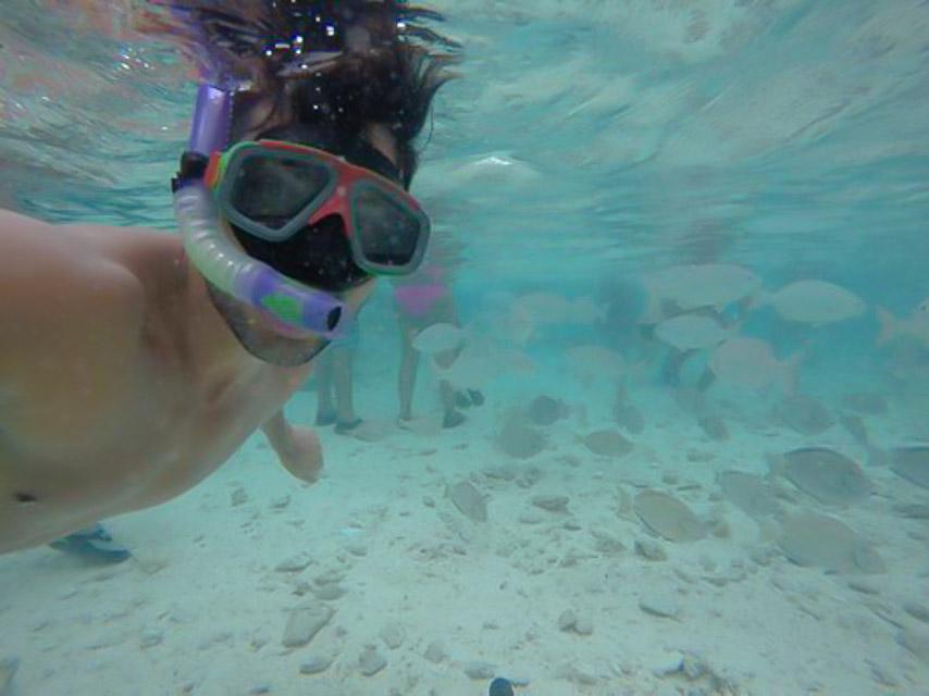 O bombeiro do programa Eliana se diverte em mergulho no mar. Foto: Arquivo pessoal