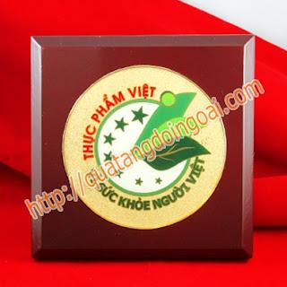 đúc đĩa đồng mặt trống đồng,làm quà tặng lưu niệm đại biểu,khách mời ngày kỷ niệm