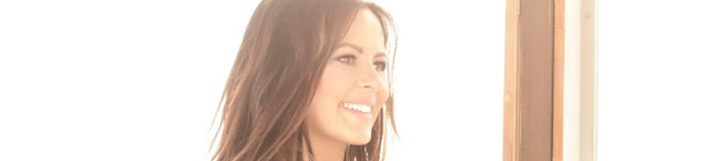 Video: Sara Evans - Marquee Sign