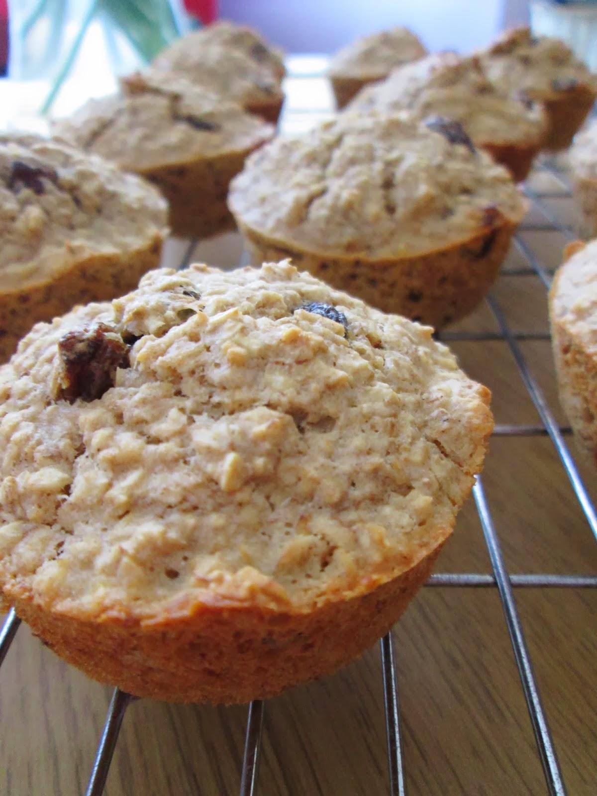 themessykitchenuk.blogspot.co.uk/2014/03/gluten-free-banana-oatmeal-muffins.html