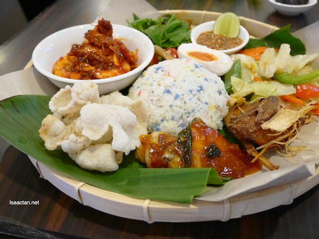 Single Platter B – Nasi Kerabu Seafood Grandmama's (RM38.90++)