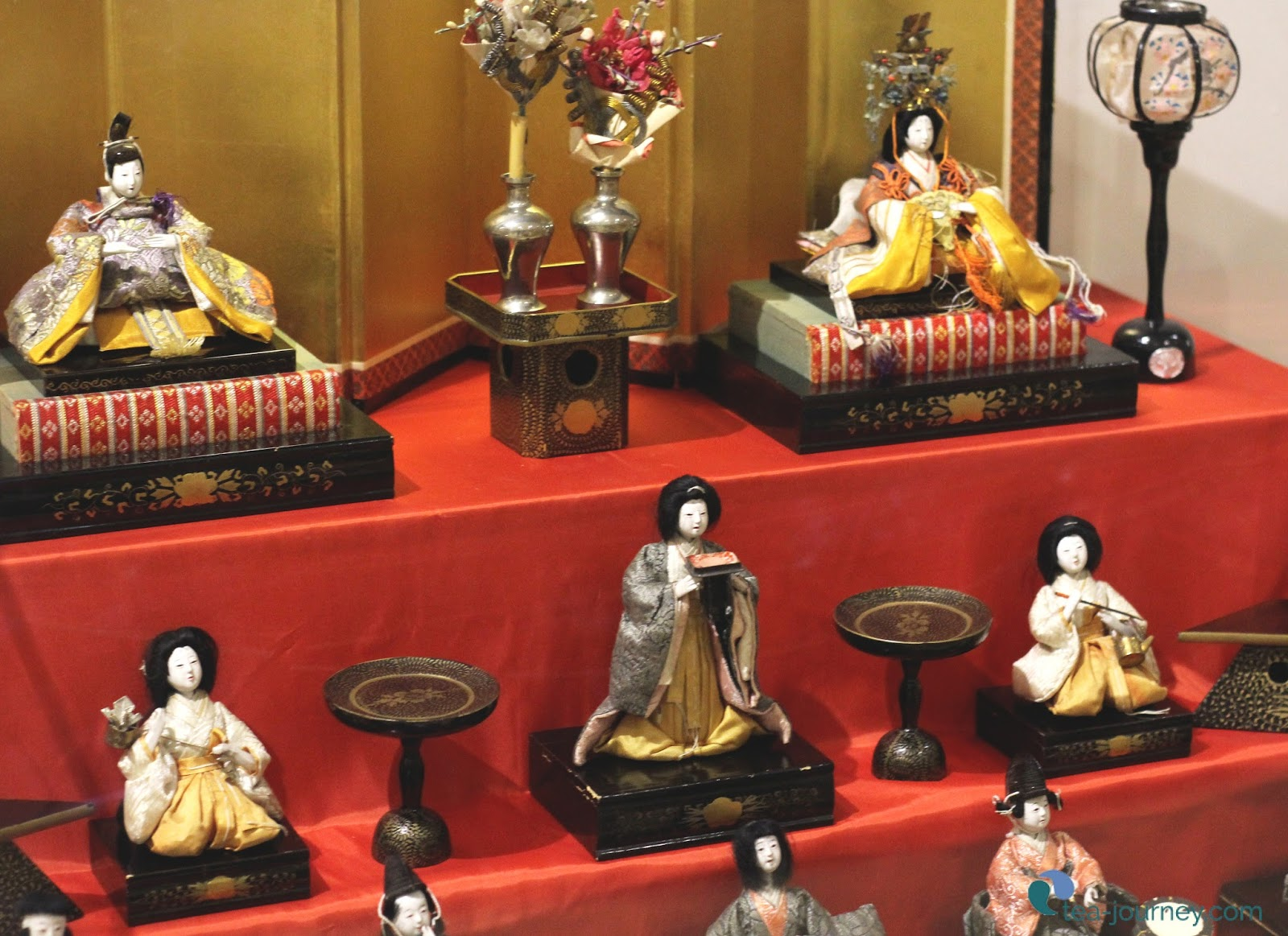 Japan has many ways to celebrate the seasons and life. Hinamatsuri is held every March 3rd to wish for the well being of daughters.