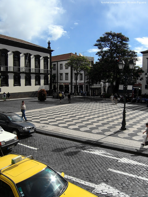 LARGO DO COLÉGIO - FUNCHAL