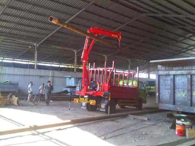 truck hino dutro crane 3 ton surabaya