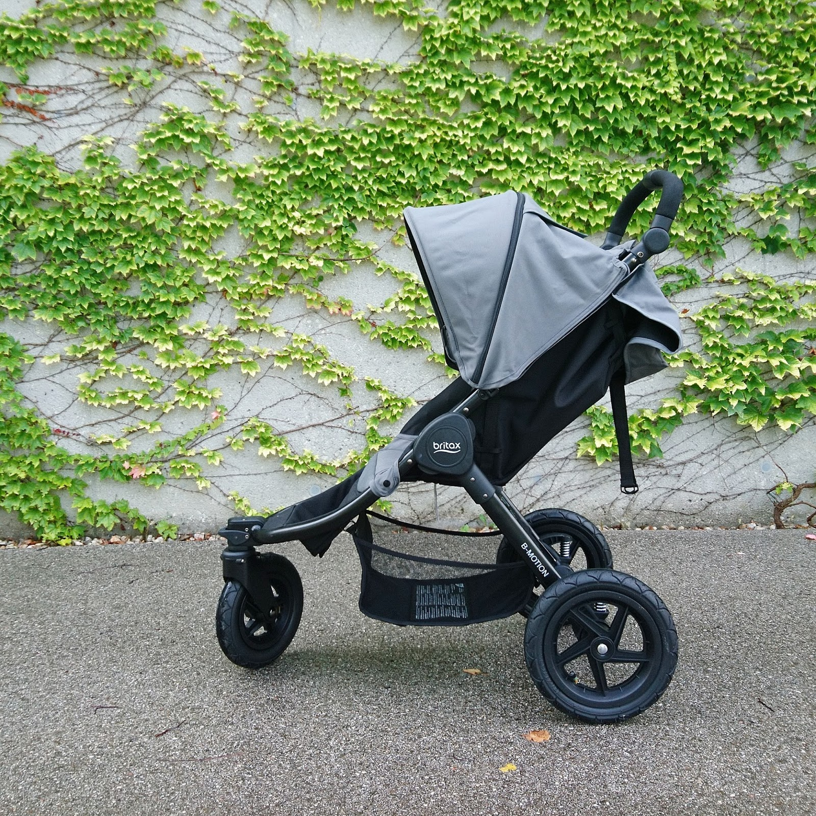 britax b motion 3 kinderwagen testfahrt what a lovely day. Black Bedroom Furniture Sets. Home Design Ideas