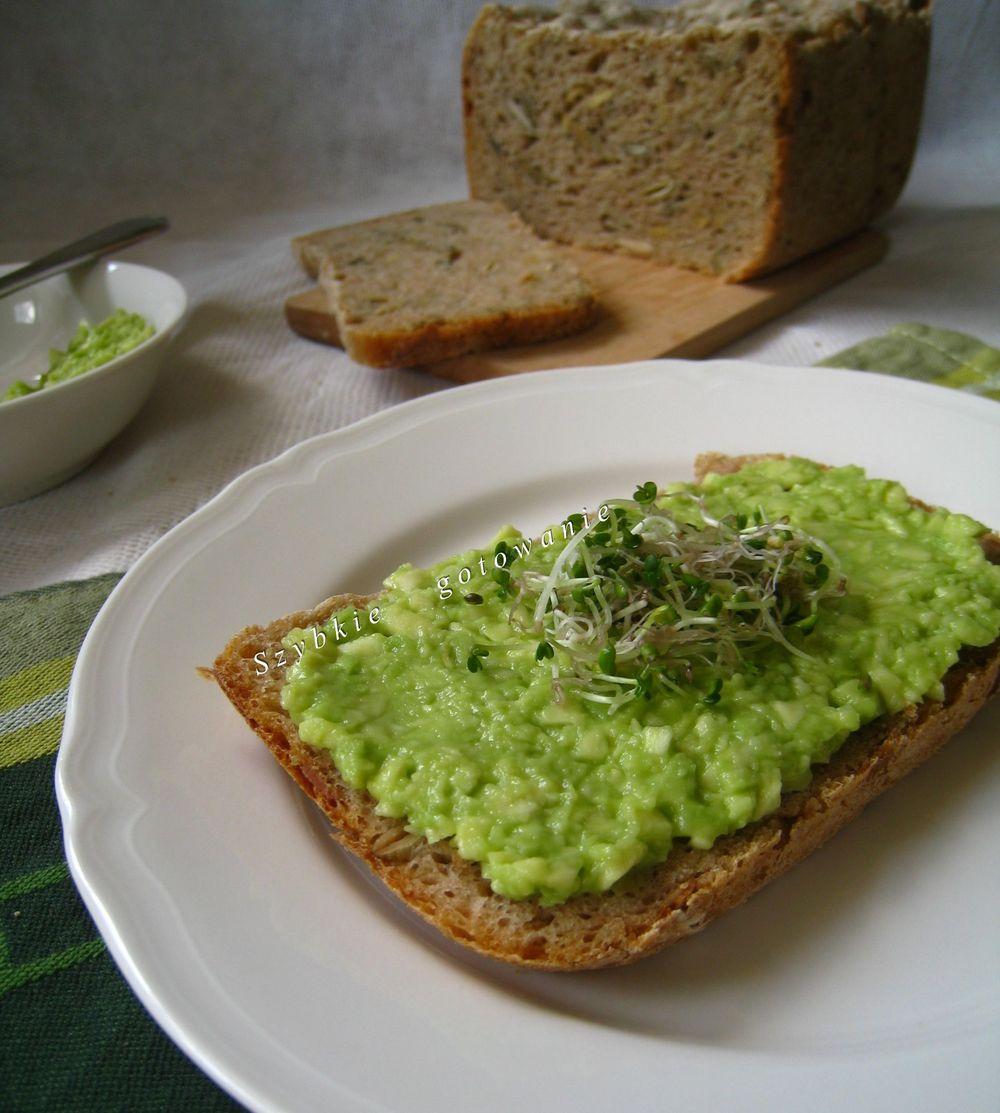 Guacamole - pasta z awokado na kanapki