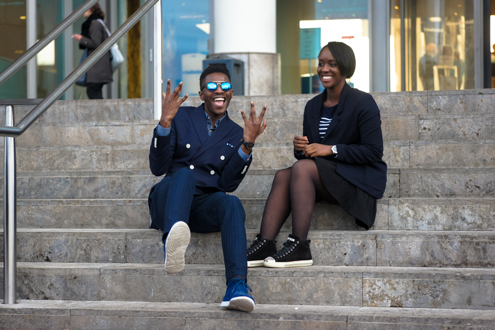 jonthegold blog x its true blog - navy blue looks style fashion as celebration for nationale dag van de communicatie in amsterdam near vapiano central station - ugg sneakers zara pants h&m blazer crisitano ronaldo cr7 menswear fashion bloggers united