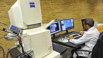 Microscópio de varrido eletrônico utilizado, foto UCAM.