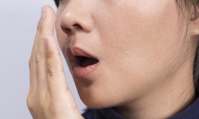 penyebab bau mulut nafas taksedap orang yang berpuasa, cara menghindari mencegah mengurangi bau mulut kita saat berpuasa ramadhan