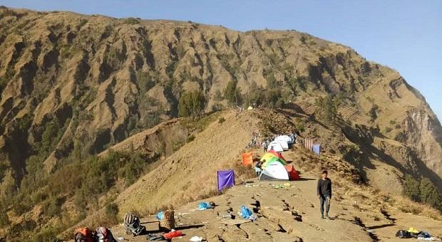 Pendaki Gunung Rinjani Berhasil Dievakuasi