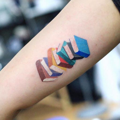 Este colorido pilha de livros