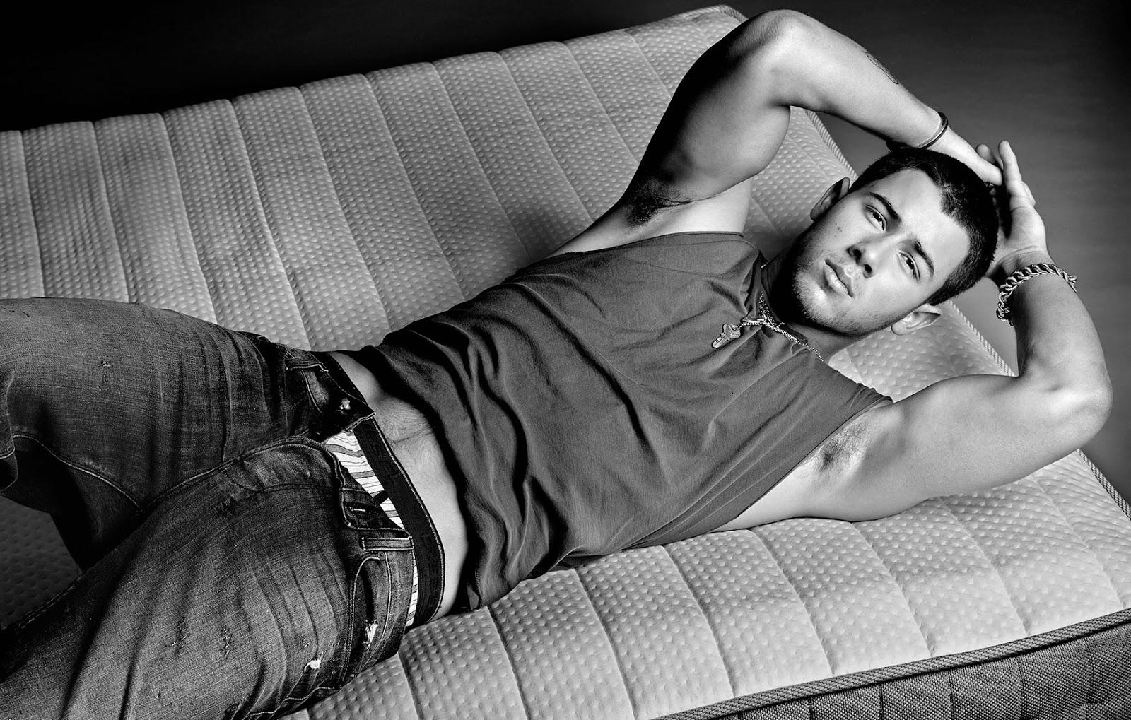 Shirtless Gallery Nick Jonas Shirtless 2014-9988