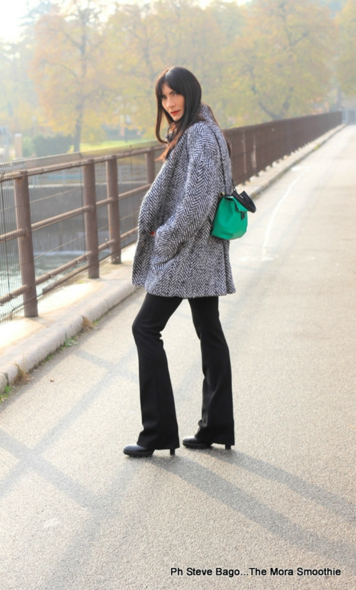 paola buonacara, fashion, fashionblog, fashionblogger, italian fashion blogger, fashion blogger italiana, ootd, outfit, look, new york industrie, pantaloni, trousers, coat, cappotto, bag, borsa, zaino, veneziani, veneziani borse, shoes, scarpe, peperosa, peperosa shoes, peperosa scarpe, abbigliamento newyorkindustrie, look of the day, outfitoftheday, me, girl, photography, fotografo