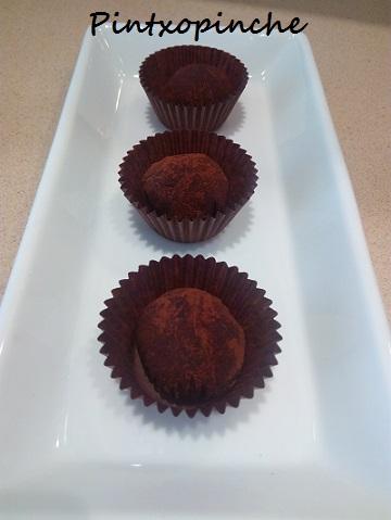 cacao, chocolate, trufa, aguacate, postre, fruta
