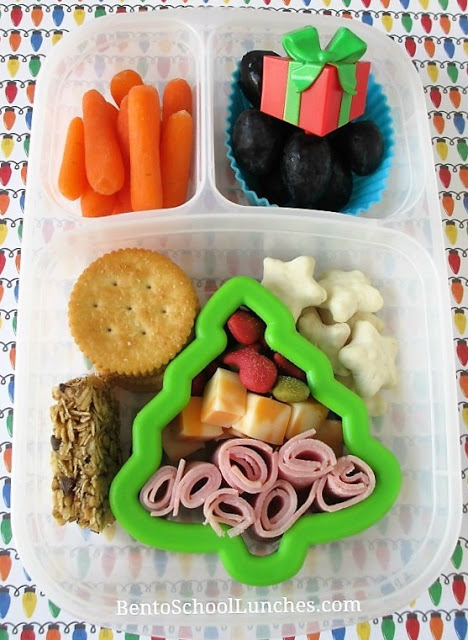 Christmas Tree Lunchables Style bento lunch