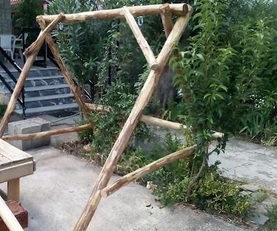 Φτιάχνω ξύλινη κούνια