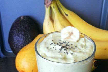 MANGO BANANA AVOCADO SMOOTHIE WITH CHIA SEEDS