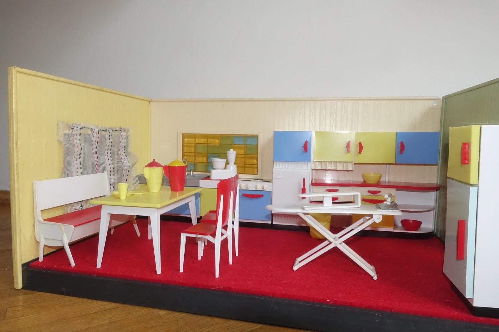 diepuppenstubensammlerin sechziger jahre modella sixties. Black Bedroom Furniture Sets. Home Design Ideas