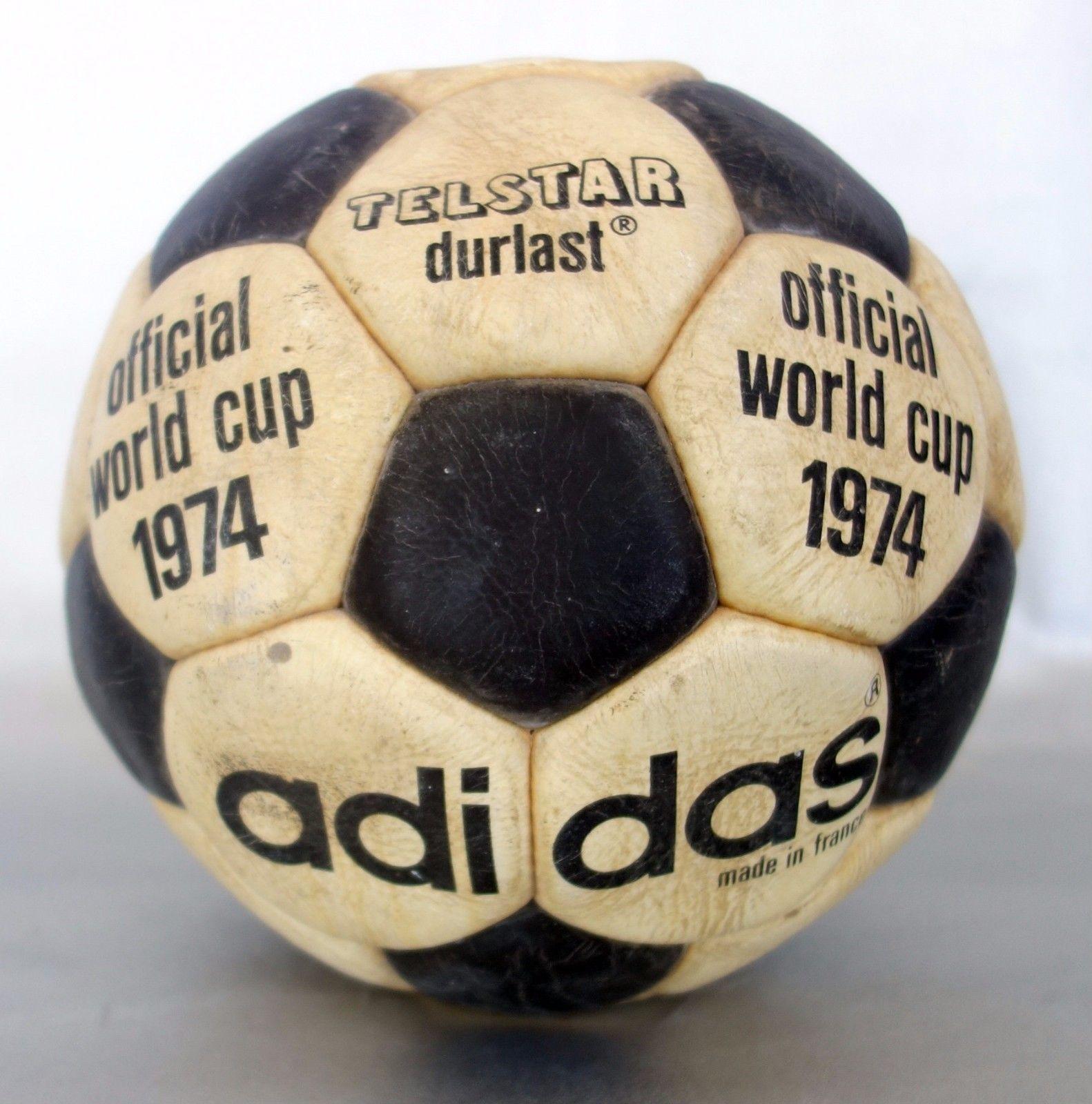 eacc72db1791c Hoy os mostramos otro balón Adidas Telstar de 1974 ORIGINAL (Mundial de  Alemania en 1974). En la actualidad no quedan muchos Telstar de este año  que se ...