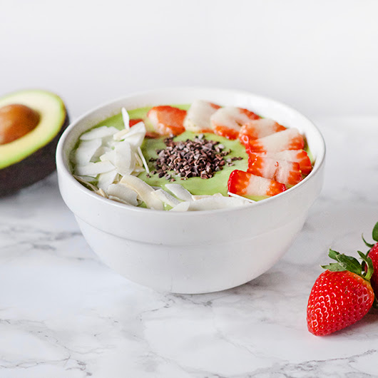 Green Smoothie Bowl with Strawberry and Coconut